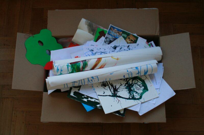 Kindertekeningen opruimen tips stappenplan kinderkunst exposeren bewaren