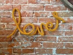 Valentijnskunst_punnikwoord_love_punniken_small