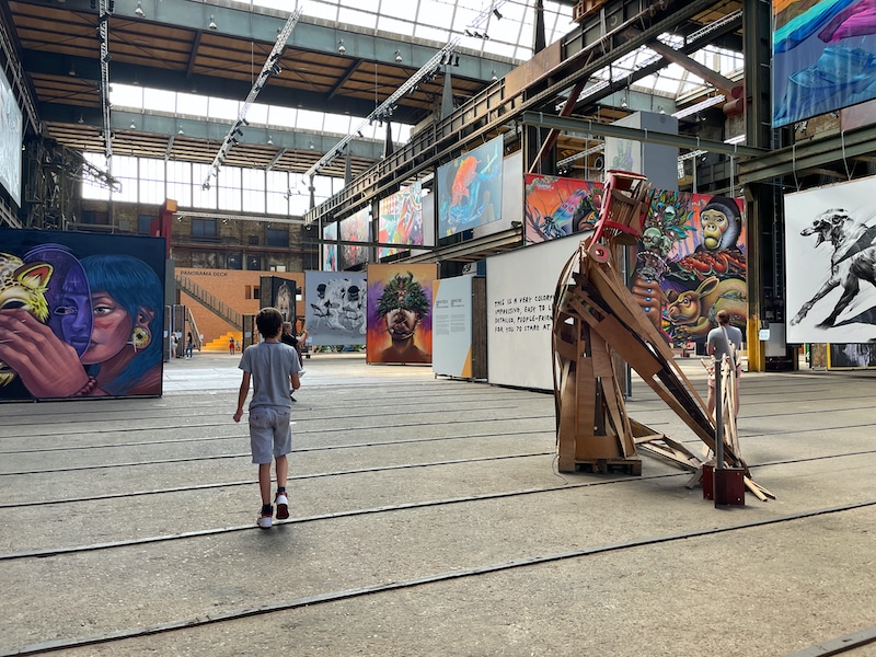 STRAAT street art museum Amsterdam Noord graffiti 800x600